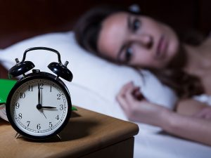 dt_160114_sleep_clock_woman_800x600